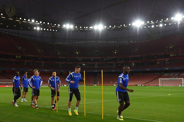 Basel faz reconhecimento do Emirates e encerra preparação (Foto: Mike Hewitt/Getty Images)