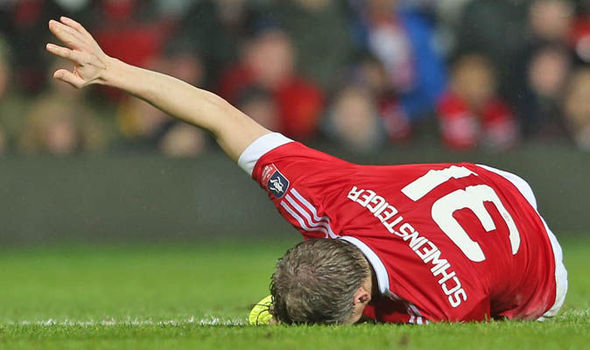 Schweinsteiger was injured during United's 1-0 win verus Sheffield United in January | Photo: Getty Images