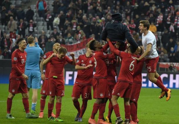 L'esultanza del Bayern Monaco dopo il passaggio del turno negli ottavi di finale. | Google.
