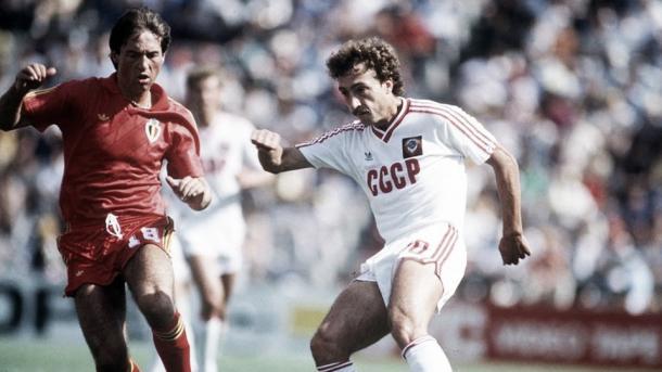 Veyt y Alinikov en el cruce de octavos/ Foto: FIFA.com