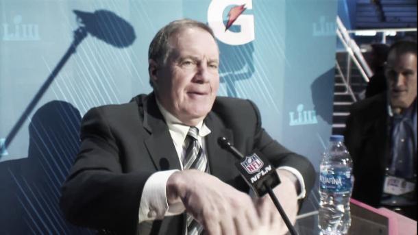 """Bill Belichick buscará ante los Rams su sexto anillo. En el Opening Night realizado en Atlanta destacó el trabajo ofensivo de su rival pero """"no cree que sea difícil de detener"""" (Imagen: Patriots.com)"""