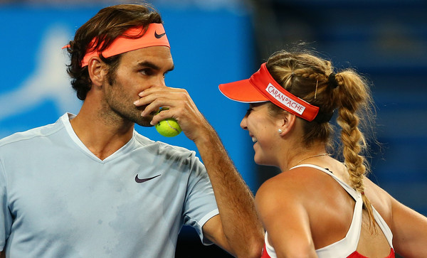 Bencic and Federer discusses tactics during the Hopman Cup earlier this year | Photo: Paul Kane/Getty Images AsiaPac