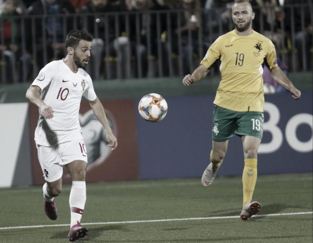Com 4 assistências, o meia Bernardo Silva dividiu os holofotes com Cristiano Ronaldo (Foto: UEFA / Getty Images / Reprodução)