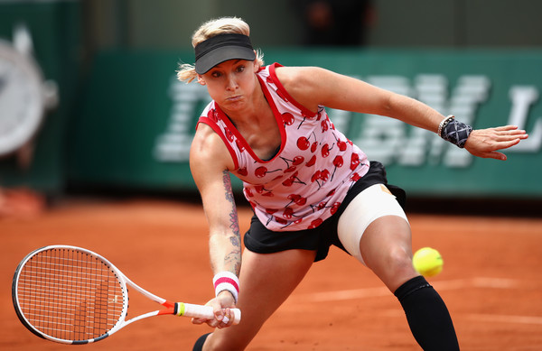 Bethanie Mattek-Sands hits a volley | Photo: Clive Brunskill/Getty Images Europe