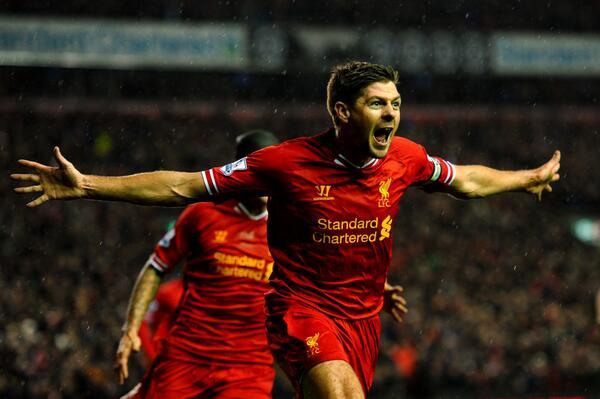 L'esultanza di Steven Gerrard dopo un gol