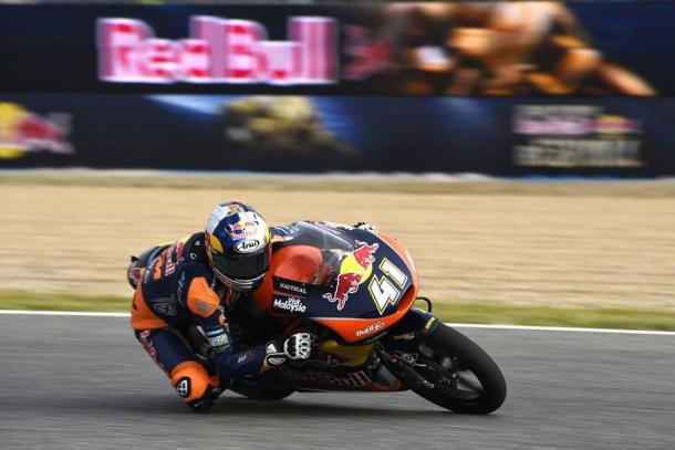 Brad Binder charges through the field | Photo: Red Bull KTM Ajo