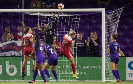 Aubrey Bledsoe makes a save against Zadorsky's Spirit during the 2017 NWSL season. | Photo: Joe Petro - Icon Sportswire via Getty Images