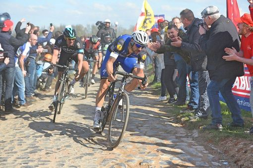 Stannard and Boonen closed the gap to Vanmarcke on Carrefour de L'Arbre / RoadCycling