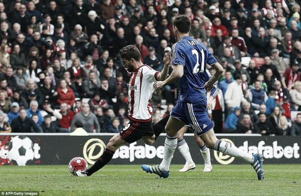 Above: Fabio Borini scoring in Sunderland's 3-2 win over Chelsea | Photo: AFP / Getty Images