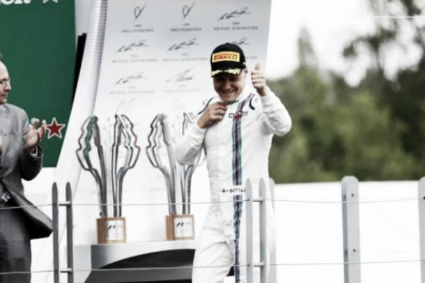 Bottas celebrando su último podium con el equipo Williams
