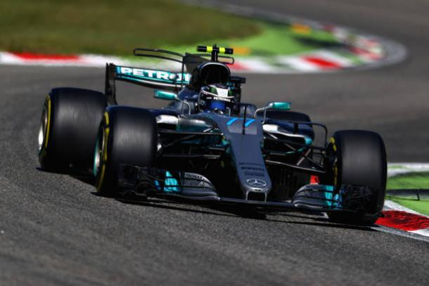 Bottas foi o segundo e garantiu a dobradinha da Mercedes (Foto: Clive Rose/Getty Images)