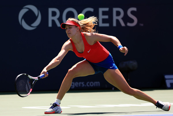 Eugenie Bouchard eager to pass 'burden of Canada' onto another player