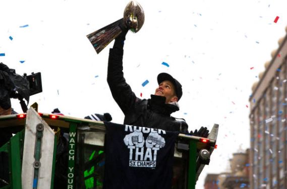 A shock to nobody, Tom Brady is picked to be the MVP of the AFC East in 2017 | Source: Stan Grossfeld - The Boston Globe via Getty Images