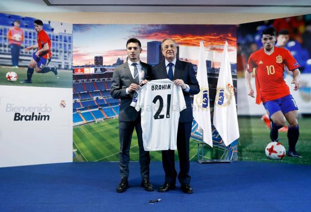 Brahim con Florentino en la presentación | Foto: Realmadrid.com
