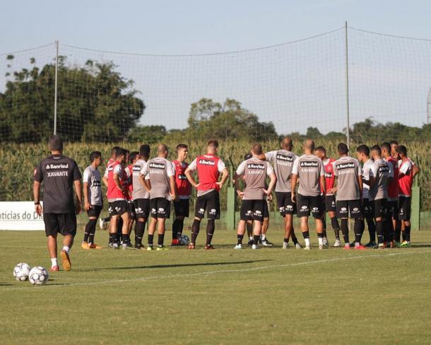 Xavante treinou no CT do Figueirense, em Palhoça, nesta sexta-feira (20) (Foto: Carlos Insaurriaga/GE Brasil)