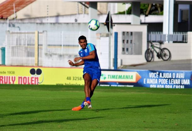 Brenner deve ganhar chance como titular (Foto: André Palma Ribeiro/Avaí FC)