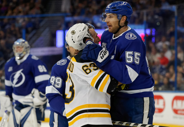 The Boston Bruins really had to look up to the Tampa Bay Lightning. (Photo: Mike Carlson/Getty Images North America)
