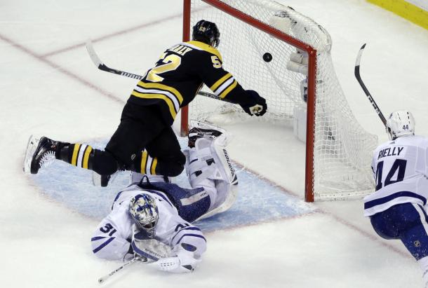 The flying Boston Bruins turned on the afterburners and beat the Toronto Maple Leafs 5-1. (AP Photo/Elise Amendola)