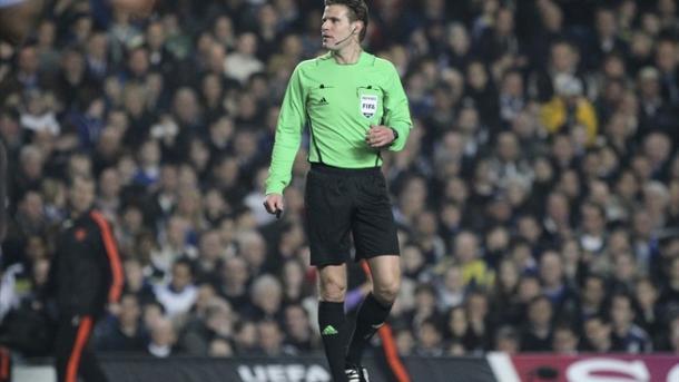 Felix Brych durante un partido   Foto: UEFA.com