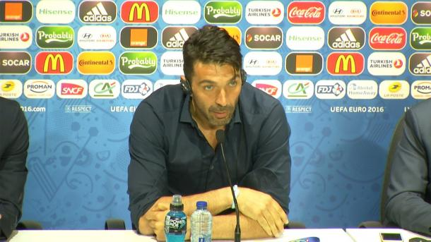 Gigi Buffon in conferenza stampa, ytimg.com