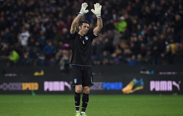 Gianluigi Buffon of Italy, an ironman as well, salutes the fans at the end of the international friendly match between Italy and Spain | Valerio Pennicino - Getty Images