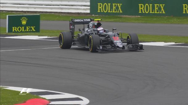 Na frente de sua torcida, Button foi eliminado no Q1 (Foto: Divulgação/F1)