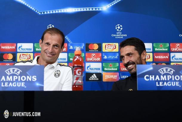 Allegri e Buffon in conferenza stampa. Foto: Twitter