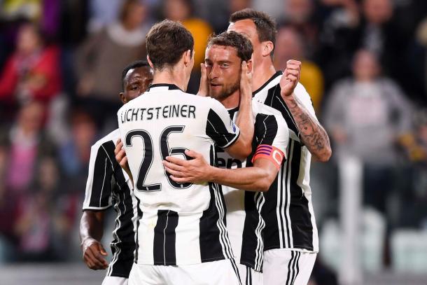 L'esultanza bianconera dopo il primo gol. | Fonte immagine: Twitter @Juventus