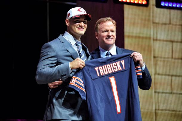 There will be a quarterback controversy in Chicago this summer due to Mitchell Trubisky's selection | Source: chicagobears.com