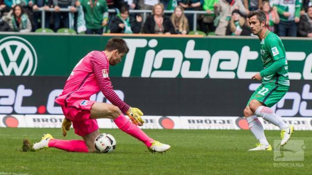 Bartels gela Jarstein per fare 1-0. | Fonte immagine: Twitter @Bundesliga