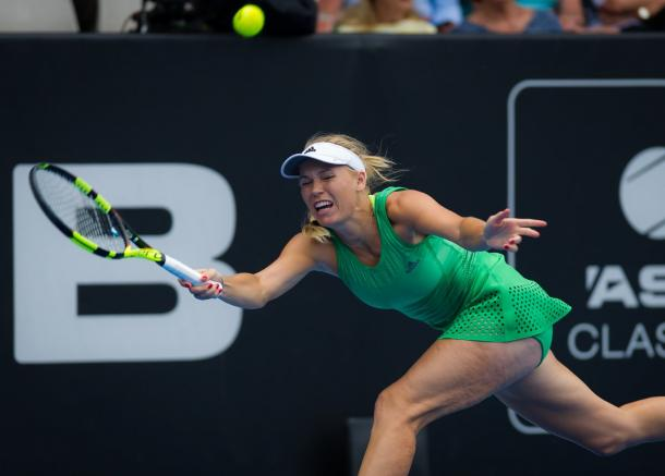 Caroline Wozniacki reaches for a forehand against Nicole Gibbs at the ASB Classic in Auckland/ Jimmie48 Photography
