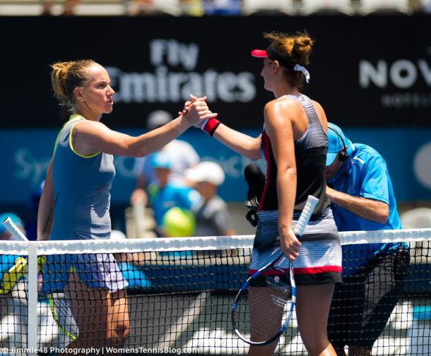 Kuznetsova and Begu meet at the net after the match | Photo: Jimmie48 Photography