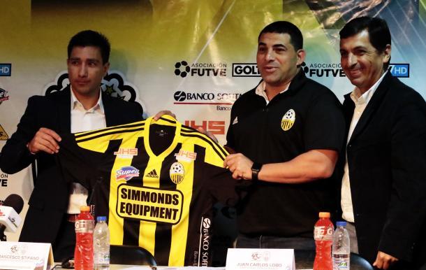Presentación de Franceso Stifano como DT del Deportivo Táchira / Foti: Jean Contreras - Prensa Deportivo Táchira