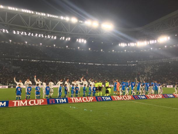 Jugadores antes de comenzar el partido | Foto: Juventus