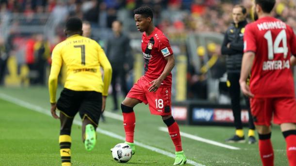 Wendell segna su punizione il secondo gol del Leverkusen. Foto: Twitter