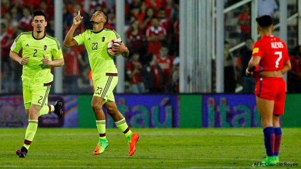 Salomón Rondón celebra su gol / Foto: AFP