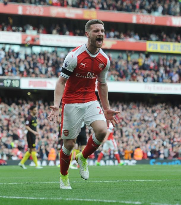 L'urlo di Mustafi dopo il 2-2.   Fonte immagine: Twitter @Arsenal