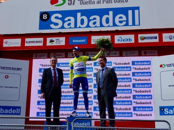 David De La Cruz in maglia gialla. Fonte: Twitter