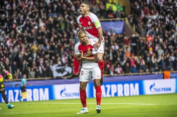 Radamel Falcao y Kylian Mbappé forman una de las parejas con más gol de Europa.   FOTO: ASMonaco.com
