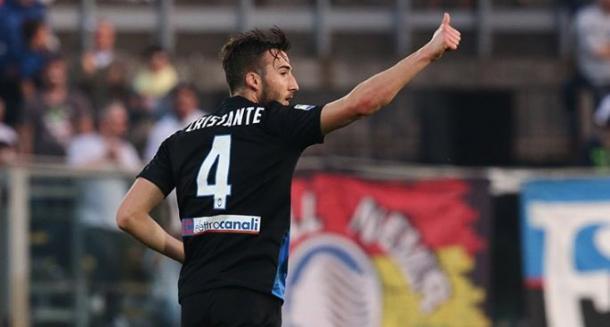 Cenno di intesa di Bryan Cristante dopo la rete del pareggio contro il Sassuolo. | Fonte: twitter.com/Atalanta_BC