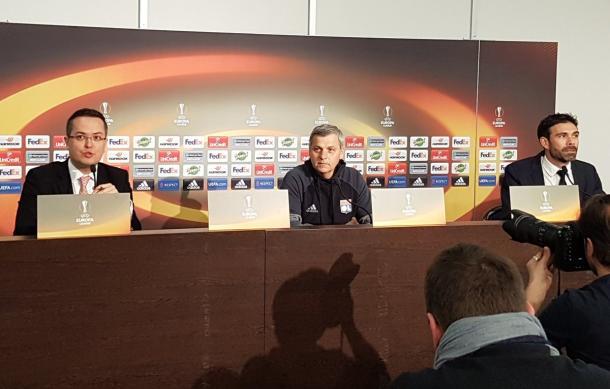 Bruno Génésio, durante la rueda de prensa previa al partido. | FOTO: @OL
