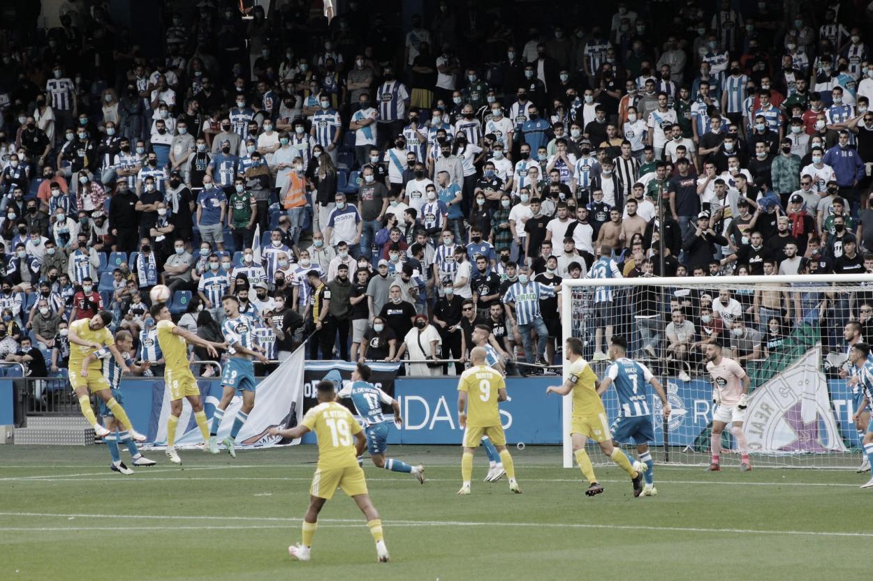 Remate de <strong><a  data-cke-saved-href='https://vavel.com/es/futbol/2021/08/13/segunda-b/1082062-el-cd-badajoz-empata-ante-el-filial-del-sevilla-con-un-adilson-espectacular.html' href='https://vavel.com/es/futbol/2021/08/13/segunda-b/1082062-el-cd-badajoz-empata-ante-el-filial-del-sevilla-con-un-adilson-espectacular.html'>Adri Cuevas</a></strong> tras un saque de esquina// Foto: CD Badajoz
