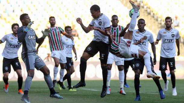 Lance que originou o gol de Digão, pelo Fluminense. (Foto: Lucas Mançur/Fluminense FC)