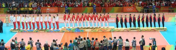 El podio Olímpico de voleibol femenino de Río 2016. | Foto: FIVB