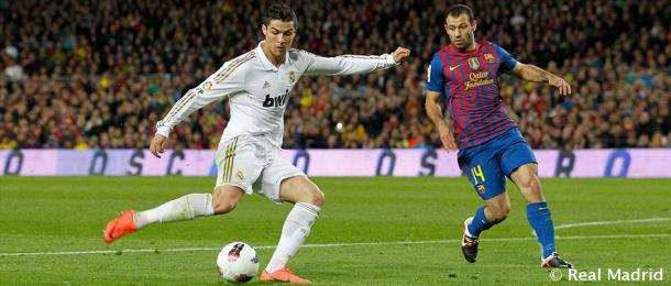 Cristiano Ronaldo marcando ante el Barcelona en uno de los clásicos que supuso la victoria de la Liga   Fuente: realmadrid.com