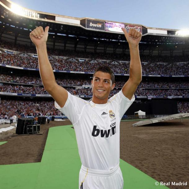 Cristiano Ronaldo en su presentación como nuevo jugador del Real Madrid | Fuente: Real Madrid CF