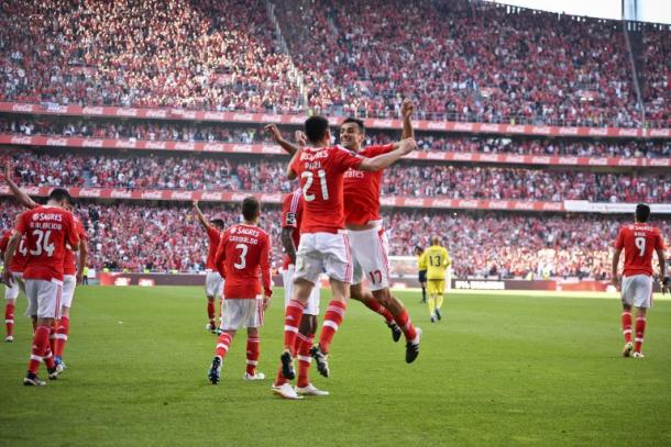 Pizzi e Jonas dopo il gol. Fonte: Getty Images.