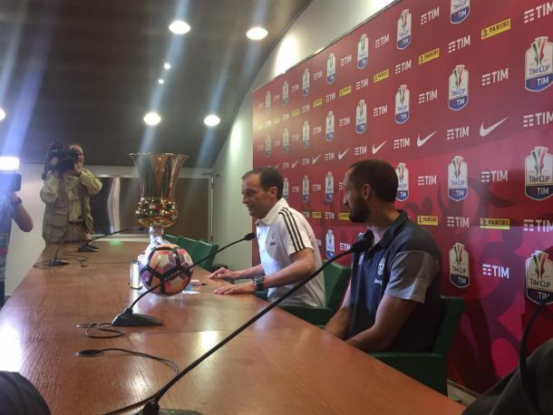 Allegri e Chiellini in conferenza stampa. Foto: Twitter