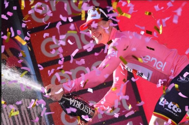Andrè Greipel in maglia rosa. Fonte: Giroditalia.it/Twitter