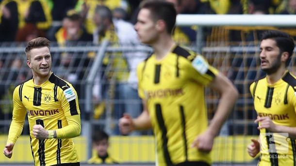 Reus festeggia dopo l'1-0 | Twitter Bundesliga